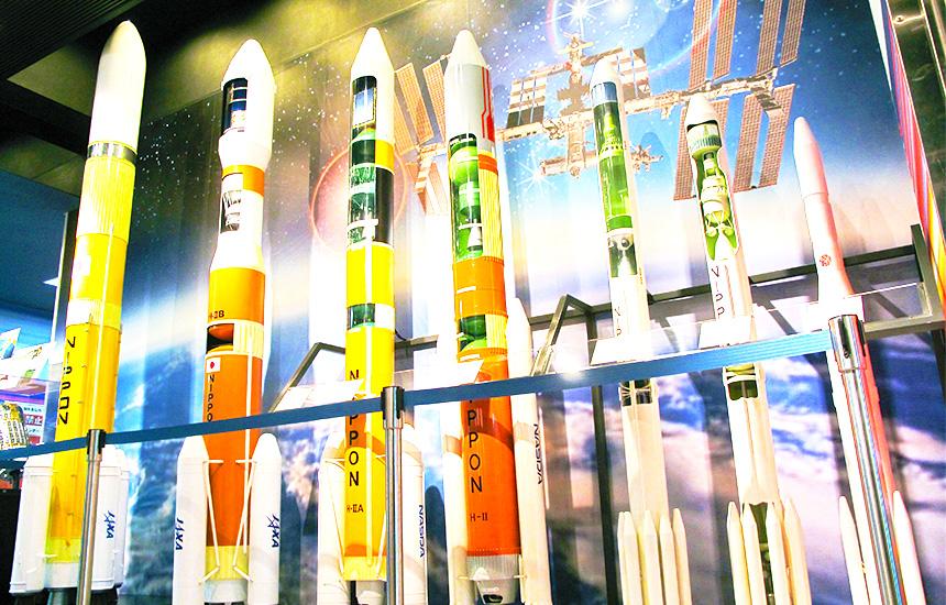 阿武隈急行線で岡駅から宇宙航空研究開発機構角田宇宙センターがあり台山公園とは別のロケットが展示されています。